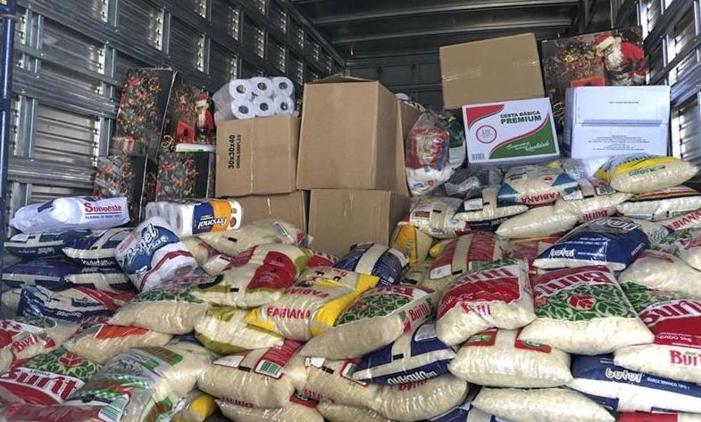 Arquidiocese de Curitiba organiza grande arrecadação de alimentos para a Quinta-Feira Santa