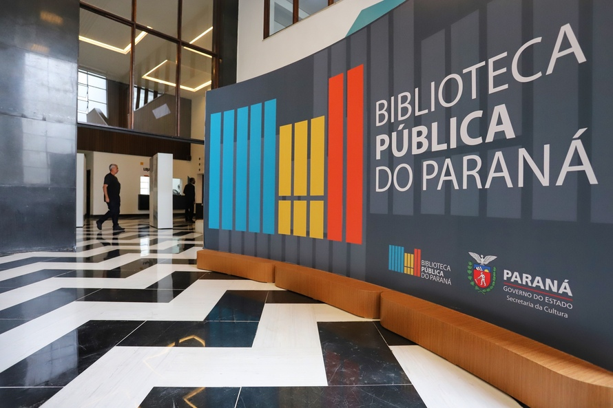 Em comemoração aos seus 164 anos, Biblioteca Pública lança livros para download gratuito