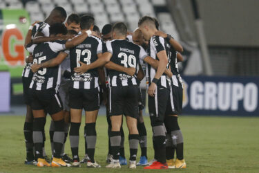 Botafogo trava confronto direto contra o invicto Madureira pelo Carioca