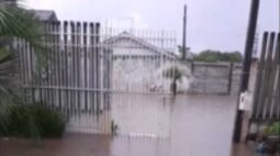 Curitiba tem 17 mm de chuva em uma hora; quatro bairros alagaram. Assista!