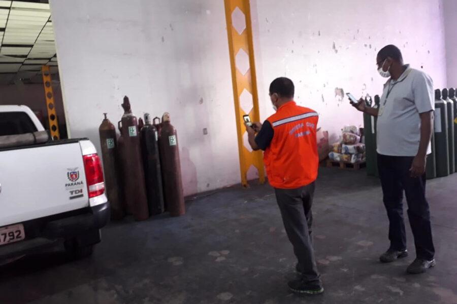 DER entrega cilindros de oxigênio para Saúde e Defesa Civil