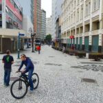 Curitiba registra 28 mortes e 721 casos de covid-19