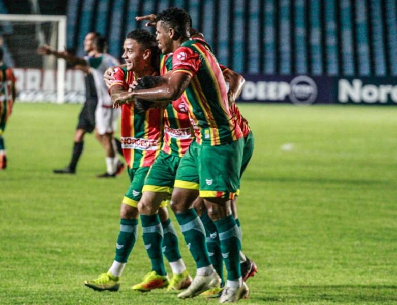 Sampaio Corrêa bate Salgueiro e assume vice-liderança do Grupo A da Copa do Nordeste