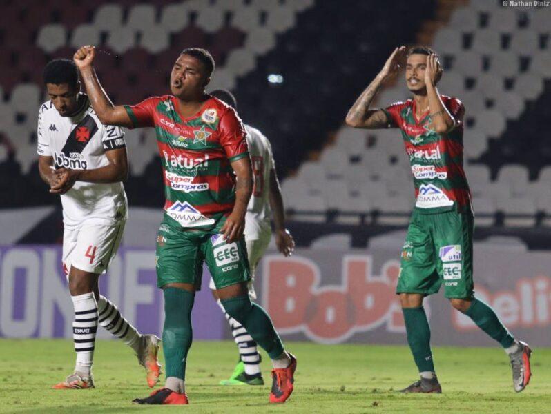 Garotada do Vasco é derrotada pela Portuguesa-RJ na estreia do Carioca