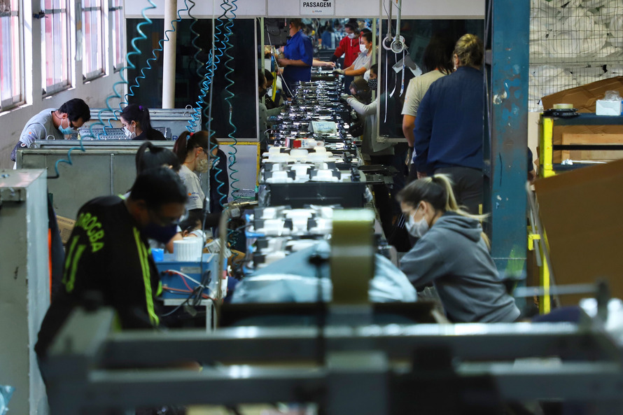 85% dos municípios do Paraná tiveram saldo positivo de empregos
