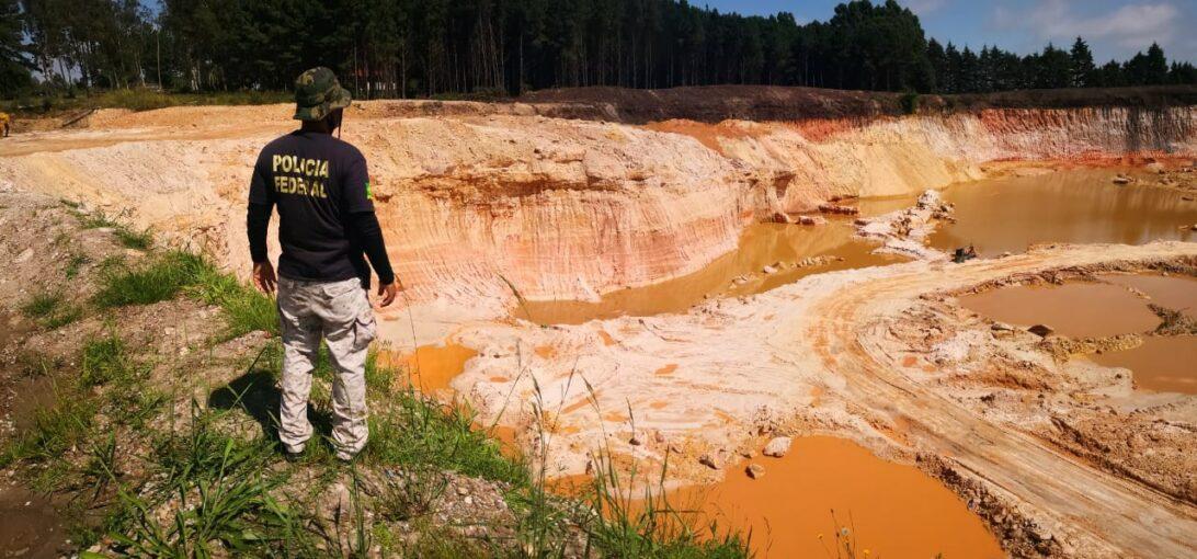 PF prende uma pessoa em flagrante por extração ilegal de minério em Balsa Nova