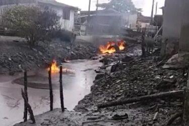 Explosões e fogo saindo de bueiros assustam moradores de Paranaguá. Assista!