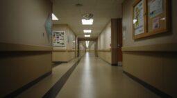 """Toledo anuncia limite do sistema de saúde: """"Temos profissionais extenuados, angustiados e sofrendo"""""""