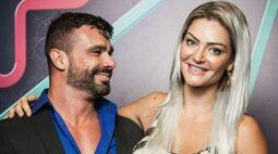"""Ganhadora do Power Couple revela que amiga está saindo com ex-marido: """"Vontade de dar uns bons cascudos"""""""