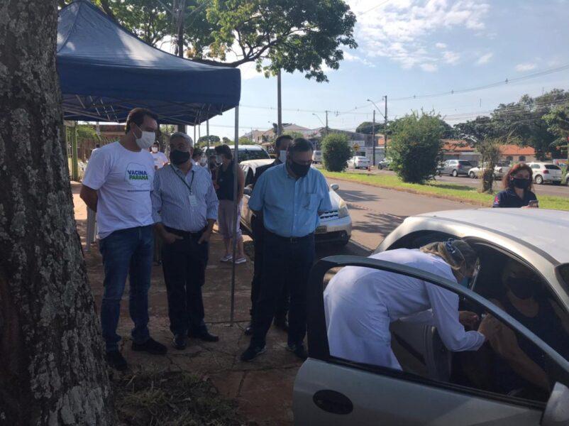 Maringá e Apucarana promovem vacinação neste domingo (28); Governador do Paraná acompanha ação
