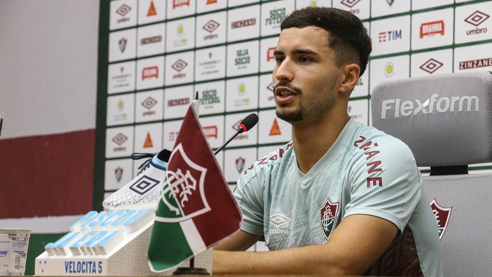 Martinelli, do Fluminense, destaca elenco mesclado entre jovens e experientes