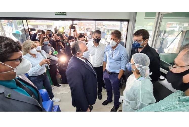 Pazuello chega à Cascavel em meio a colapso no sistema de saúde do município