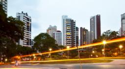 Pela terceira vez Curitiba agrega lista de cidades mais inteligentes e promissoras
