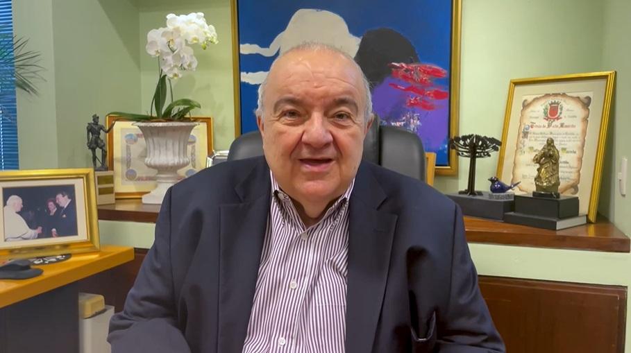 """""""Que todos se cuidem"""": Rafael Greca faz apelo aos curitibanos no aniversário da cidade"""