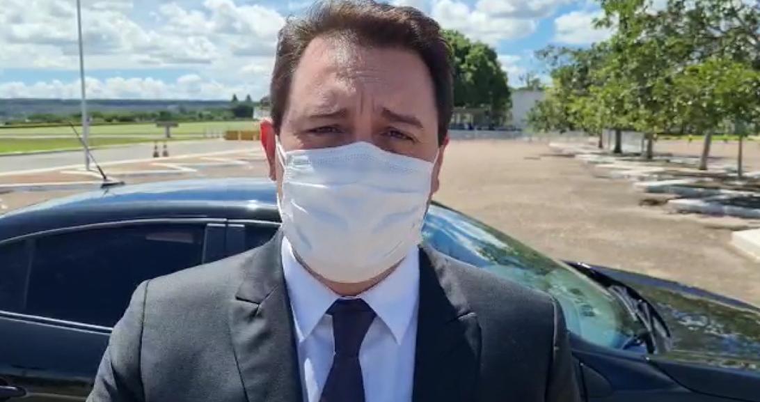 """Ratinho Júnior sugere """"vacinação de domingo a domingo"""" em encontro com chefes dos Poderes"""