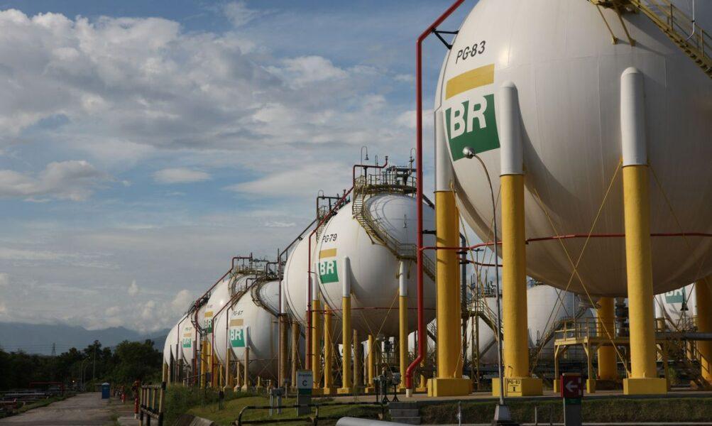 Petrobras reduz diesel e gasolina em cerca de 4% na refinaria