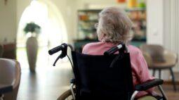 Abrigo para idosos tem surto de covid-19 e registra 13 casos da doença e uma morte