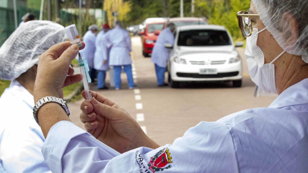 Curitiba vacinou 240.015 pessoas contra a covid-19