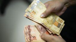 Prefeitura de Curitiba paga hoje (20) a primeira parcela do 13º salário