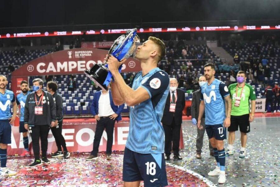Jogador da Seleção Brasileira marca em decisão e conquista Supercopa da Espanha de Futsal