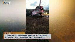 Corpo de bombeiros presta atendimento em local de acidente em Arapongas