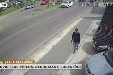 Motociclista escapa de acidente, mas é agredido por motorista