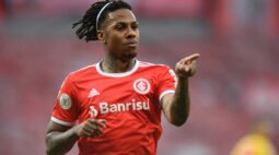 Salário de Abel Hernández pode atrapalhar transferência do atacante para o Fluminense