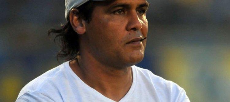 Adversário do Corinthians é lanterna no Paraguai e vai estrear ex-parceiro de Gamarra como técnico