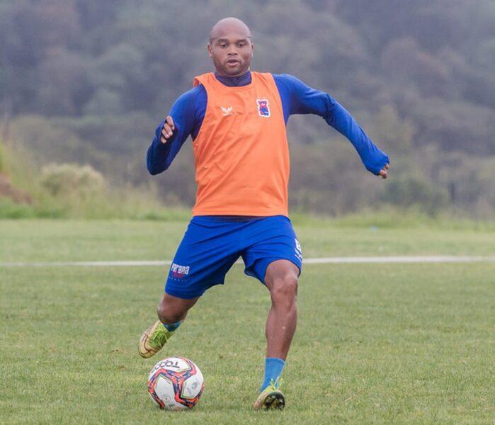 Zagueiro Anderson Salles recebe proposta do exterior e está de saída do Paraná Clube
