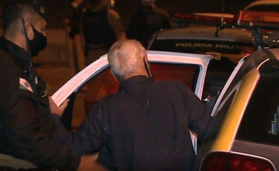 Advogado aposentado bate veículo, foge do local, atira em motorista e acaba preso por embriaguez, diz PM