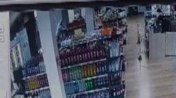 Câmera de segurança registra morte de segurança durante troca de tiros em Toledo