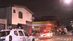 Jovem é assassinado em ponto de ônibus, na Cidade Industrial de Curitiba