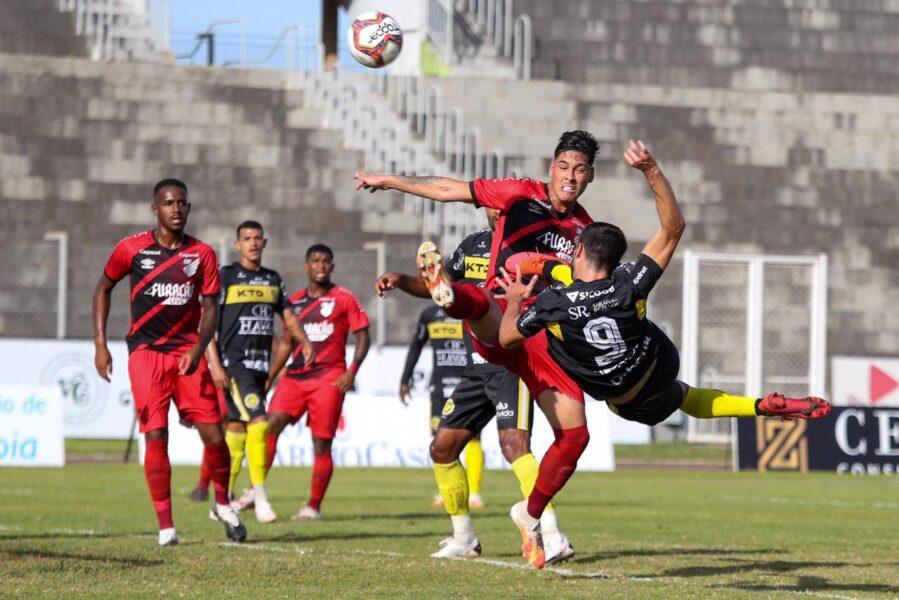 Com gol no último lance, FC Cascavel vence o Athletico por 2 a 1