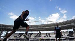 Botafogo fica perto de acertar com Anselmo Ramon e Chay