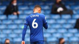 Thiago Silva é expulso, e Chelsea sofre goleada para o West Bromwich