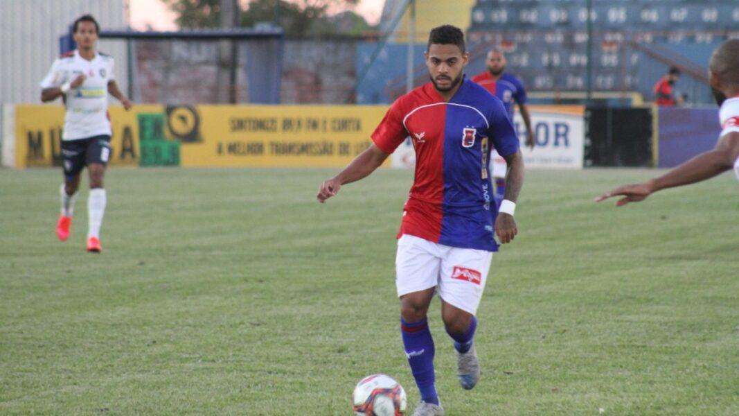 Com gol de pênalti, Paraná vence e quebra invencibilidade do Cianorte