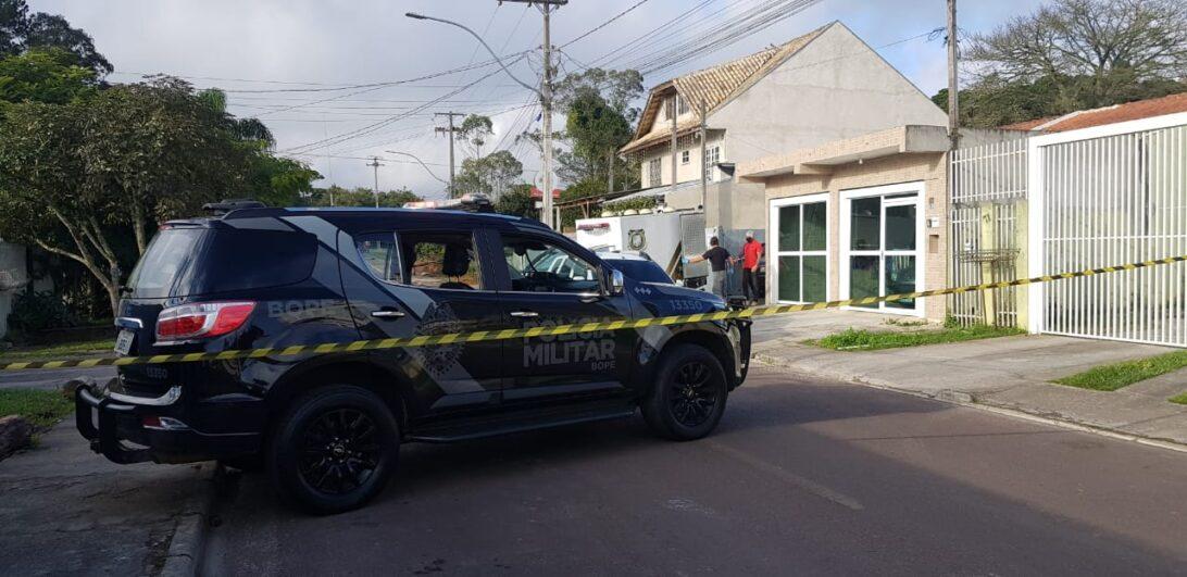 Operação da PMPR contra grupo envolvido com roubo de cargas tem confronto e mortes