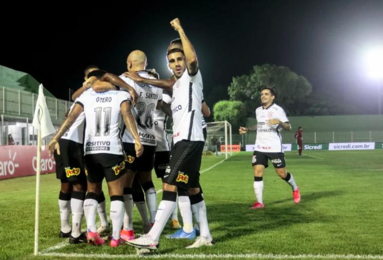 Corinthians sofre, mas vence o Guarani com gol de Cauê