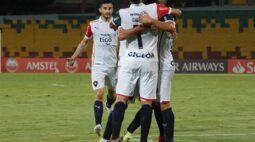 Cerro Porteño vence América de Cali e lidera o grupo do Atlético-MG