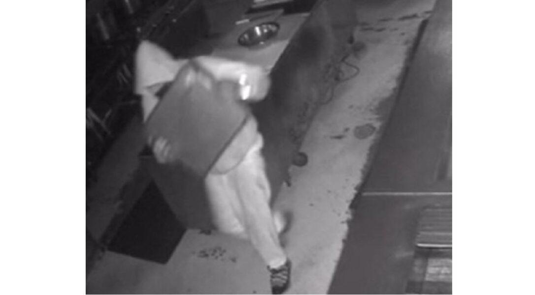 Homem oferece emprego para ladrão atrapalhado que roubou seu restaurante