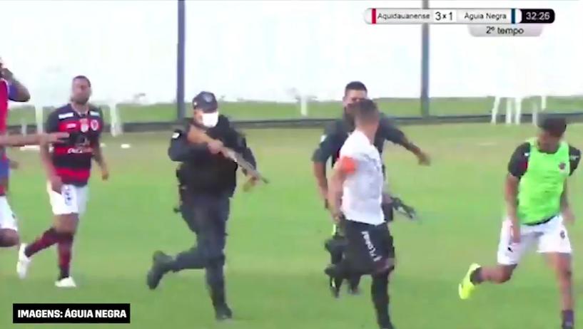 Jogo do Estadual do MS tem briga, tiro e policial correndo armado para prender jogador