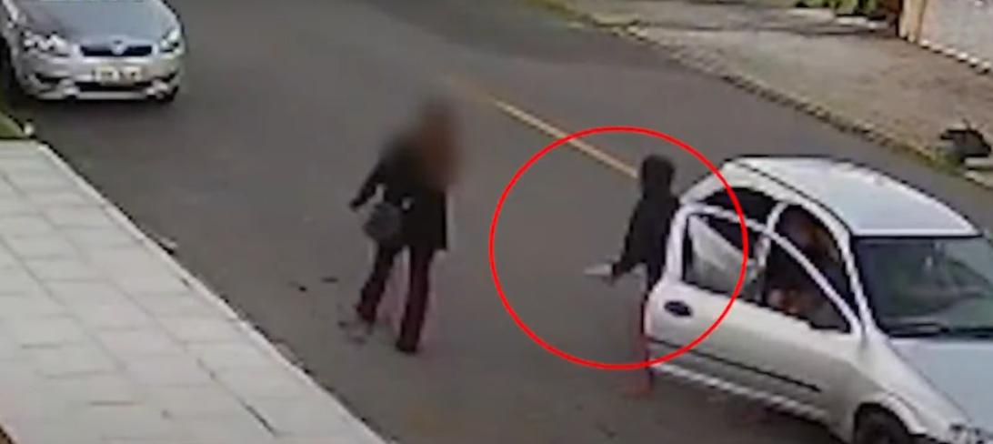 Câmeras flagram assalto violento: suspeitos em Celta usam facão para abordar vítimas