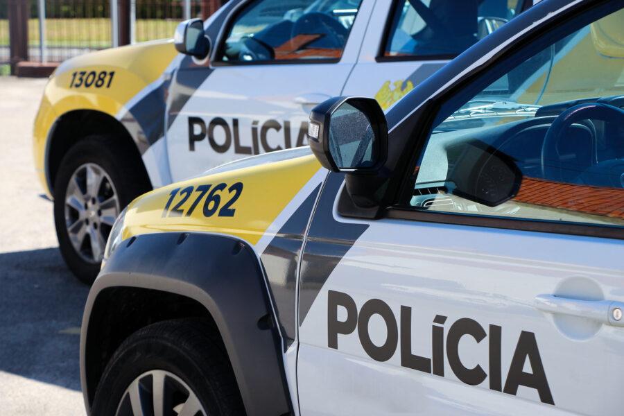 Corpo é encontrado carbonizado em carro incendiado, em Curitiba