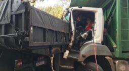 Acidente com 3 caminhões na região Noroeste deixa vítimas presas nas ferragens; Aeromédico Samu realizou atendimento