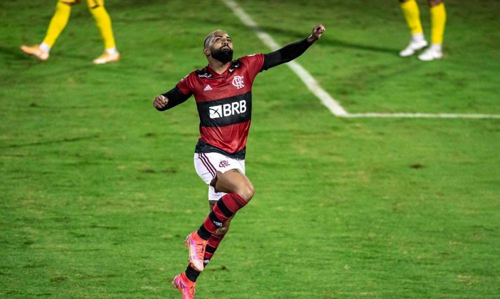 Flamengo goleia e acaba com a invencibilidade do Madureira
