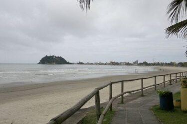 Guaratuba libera acesso às praias e suspende barreiras sanitárias na entrada da cidade