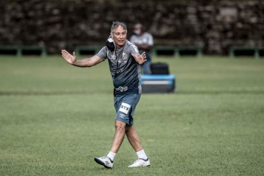 Holan não será o técnico do Santos contra o Boca Juniors