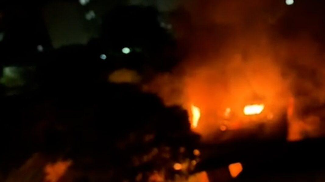 Capela mortuária pega fogo e assusta vizinhos, em Londrina