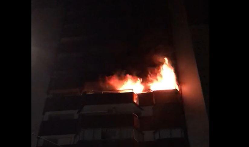 Incêndio destrói apartamento no Água Verde, em Curitiba