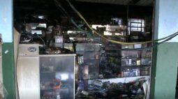 Incêndio destrói lojas em terminal de ônibus na Região Metropolitana de Curitiba